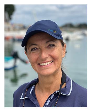 Portait de Nathalie skipper des croisières TCH-ILES dans le Golfe du Morbihan